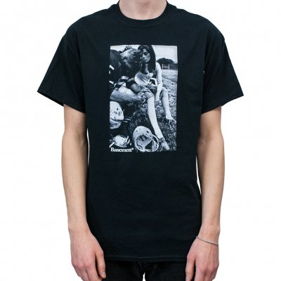 basement - Football Player | T-Shirt