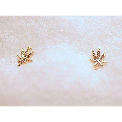ziggy-marley - Cannabis Leaf Earrings - Gold